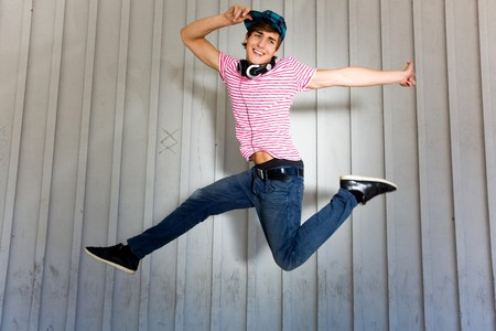 Young man jumping Stock Photo - 7314972