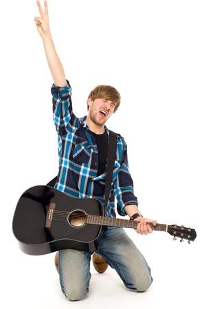 guitarra acustica: Hombre tocando la guitarra ac�stica
