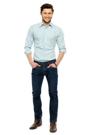 personas de pie: Ocasional hombre de pie