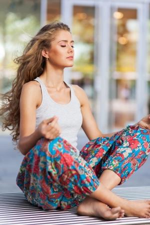 瞑想の女性