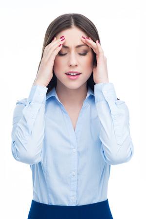dolor de cabeza: Mujer que tiene dolor de cabeza