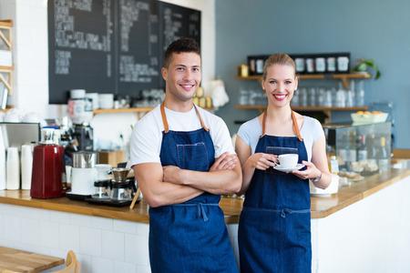 Jonge cafe eigenaren