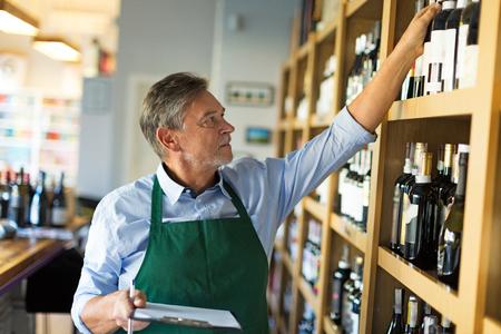 ワイン ショップのオーナー