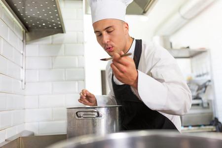 chef-kok op het werk Stockfoto