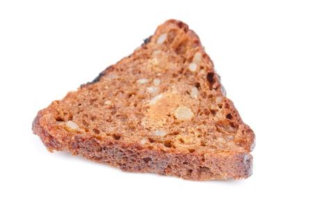 frutas secas: pan con frutos secos sobre fondo blanco