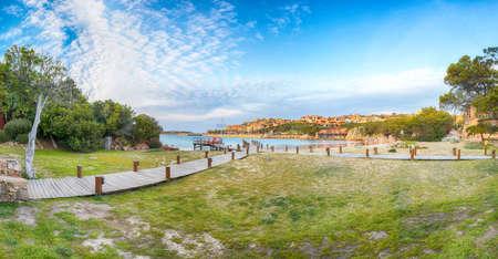 Astonishing view of Porto Cervo at sunset. Popular tourist destination of Mediterranean sea. Location: Arzachena, Province of Sassari, Sardinia, Italy, Europe 免版税图像