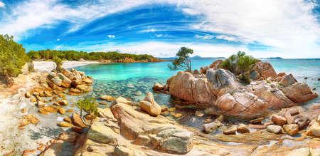 Panoramic view of Capriccioli beach in Costa Smeralda. Popular tourist destination of Mediterranean sea. Location: Arzachena, Province of Sassari, Sardinia, Italy, Europe 免版税图像