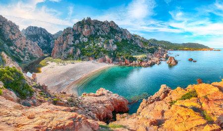 Captivating view of Li Cossi beach on Costa Paradiso resort. Picturesque seascape of Mediterranean sea. Location: Costa Paradiso, Province of Sassari, Sardinia, Italy, Europe 免版税图像