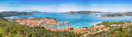 Breathtaking view on Palau port and Santo Stefano with La Maddalena islands. Location: Palau, Province of Olbia-Tempio, Sardinia, Italy, Europe 免版税图像
