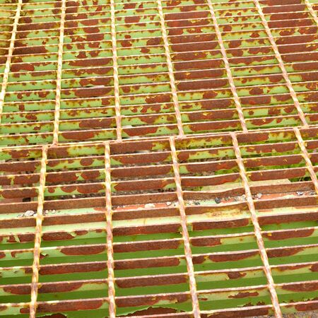Steel grid floor of old steel bridge background pattern texture Stock Photo - 7908525