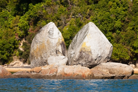 Granite rock formation of Split Apple Rock near Abel Tasman National Park, South Island, New Zealand Stock Photo - 13629705
