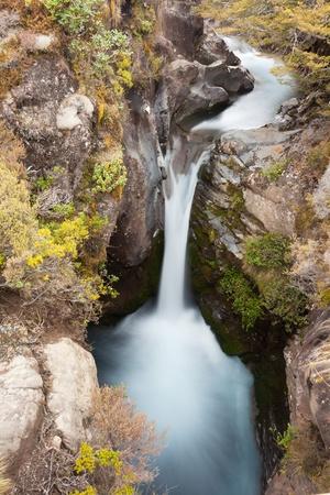 tongariro national park: One of many waterfalls on volcano Mount Ruapehu in Tongariro National Park  North Island  New Zealand
