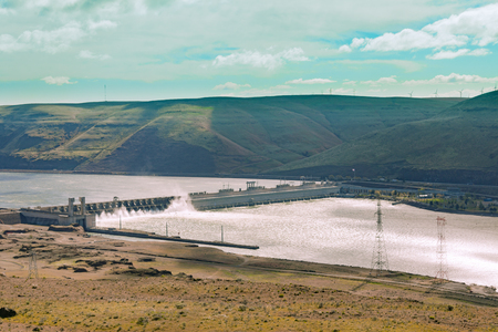 hydro electric power station: Large hydro dam turning flow of Columbia River into renewable electric power energy, Oregon Washington, United States of America, USA