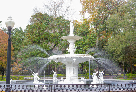 history architecture: Forsyth Park Fountain famous American architecture history landmark in Historic District of City of Savannah, Georgia, USA