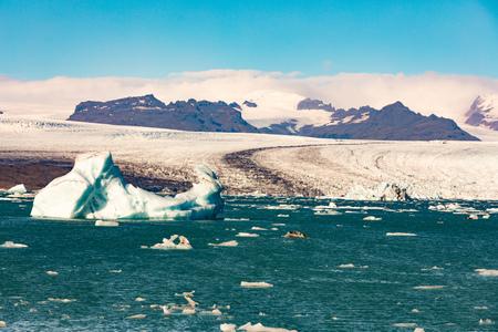 Jokulsarlon glacier lagoon at the end of glacier tongue from Vatnajokull icefield in Vatnajokull National Park, Iceland, IS, Europe 写真素材 - 118488285
