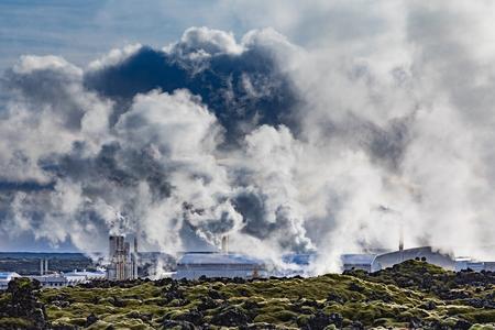 Eerie look of Svartsengi Geothermal Power Plant beside Lagoon near Grindavik, Iceland, IS. Europe 写真素材 - 118488318