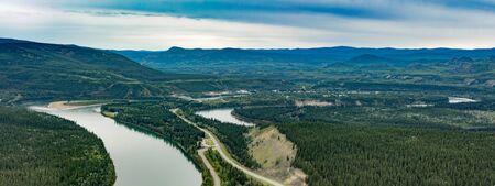 Yukon River at Carmacks summer landscape along North Klondike Highway, Yukon Territory, YT, Canada 写真素材 - 132020156