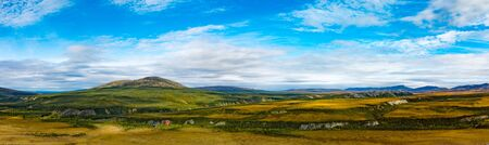 Panoramic view of arctic tundra and Dempster Highway at Rock River north of arctic circle, Yukon Territory, YT, Canada 写真素材 - 132018621