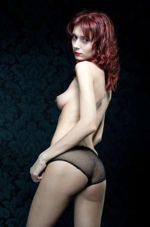naked woman back: Portrait der sch�ne nackte Frau. R�ckansicht