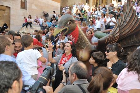 pezones: 24 de septiembre 2011 Espa�a, Catalu�a, Tarragona. La celebraci�n en honor de Santa Tekla. Los ni�os dejan sus pezones.