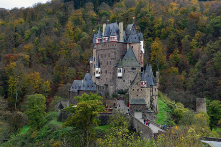 burg: Fortness Eltz in Germany, Sunny autumn day. Castle on the forest mountain