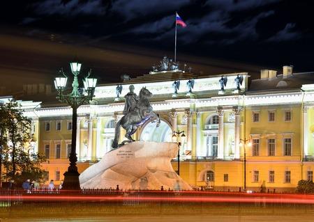 piter: Illuminated Monument of Piter First, Medniy horseman, in Saint-Petersburg, night dark time