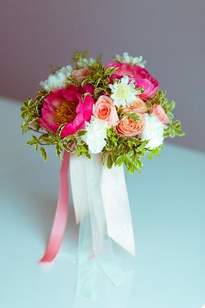 honeymooners: ramo de novia Foto de archivo