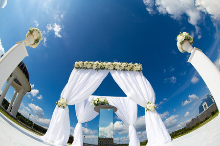 cloude: wedding flower decoration arc Stock Photo