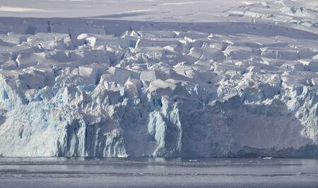 antarctic peninsula: glaciers slipping on the coast of the Antarctic Peninsula Stock Photo