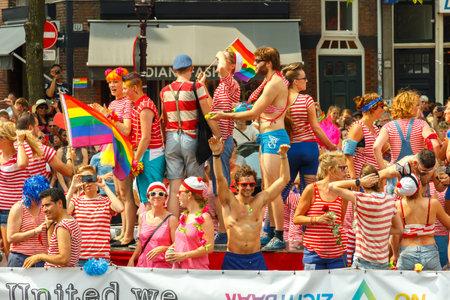 annual event: Amsterdam, Pa�ses Bajos - 02 de agosto 2014: evento anual para la protecci�n de los derechos humanos y la igualdad civil. Editorial