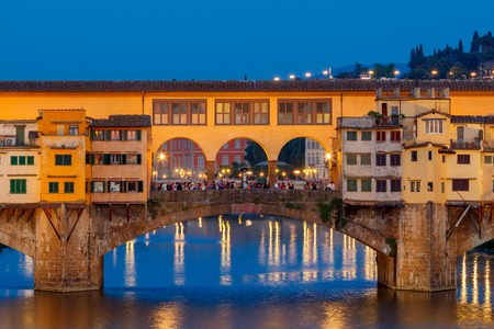 old bridge: The old medieval bridge Ponte Vecchio in Florence at sunset.