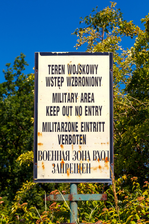 pacto: Gdansk, Polonia - 03 de agosto 2015: El territorio de la antigua base militar sovi�tica de la coalici�n del Pacto de Varsovia.