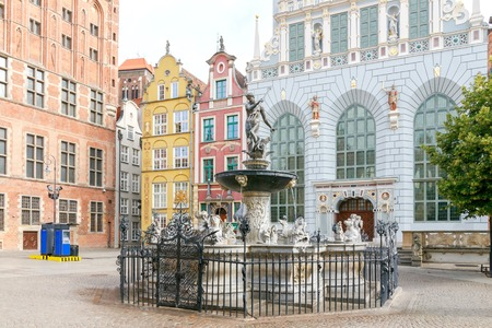 neptuno: Fuente de Neptuno en el centro histórico de Gdansk.