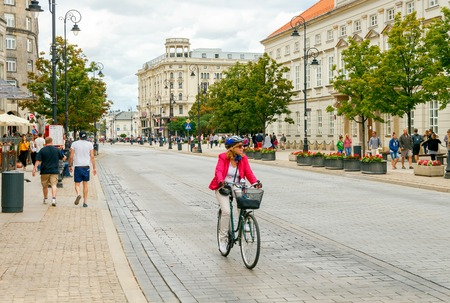 Warsaw, Poland - July 26, 2015: Bicycles are the most popular and environmentally friendly means of transportation in Warsaw. Редакционное
