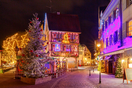 프랑스 도시 Colmar 크리스마스 이브에.