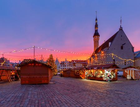 Tallinn. Town Hall Square at Christmas. Standard-Bild