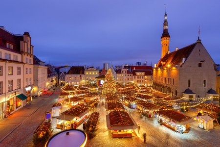 Tallinn. Town Hall Square at Christmas. 版權商用圖片