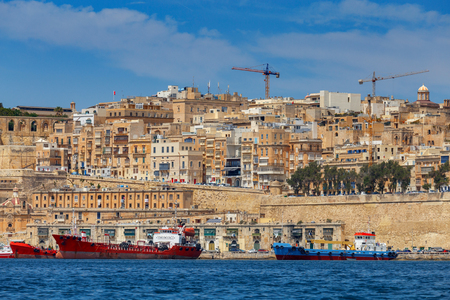 Valletta. The old harbor and port.