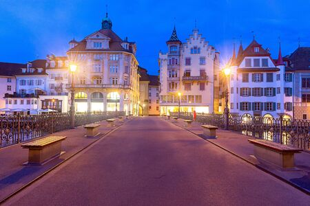 Lucerne. Old city embankment and medieval houses at dawn. Reklamní fotografie