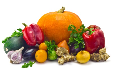 pumpkin, zucchini, cucumber, eggplant, parsley, Jerusalem artichoke, onions, garlic  and a sweet pepper isolated on white background Standard-Bild