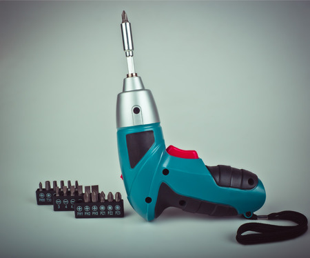 speed gun: Wireless Electric screw gun and bits for different profiles