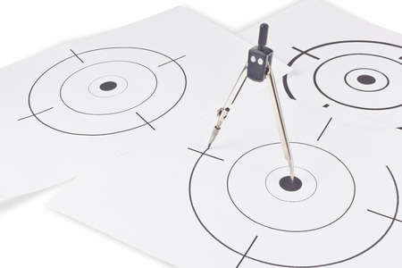 sniper crosshair: Black round target with crosshair for firing exercises on paper
