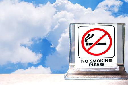 close-up van geen roken teken, abstracte achtergrond voor het niet roken concept. Stockfoto