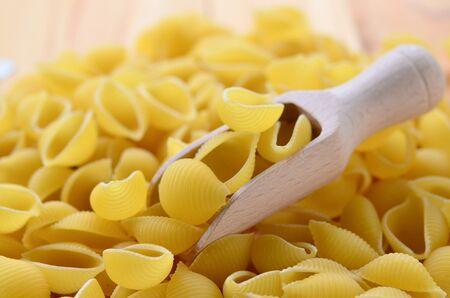 dry macaroni