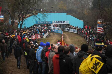 belgie: Koksijde, Belgium - November 24, 2012 - The Cyclo-cross course with a bridge for the public Editorial