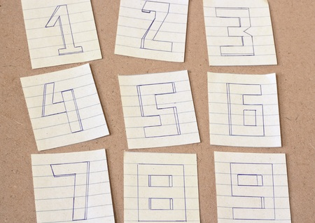numero nueve: N�meros, n�mero uno, n�mero dos, n�mero tres, n�mero cuatro, n�mero cinco, n�mero seis, n�mero siete, n�mero ocho, el n�mero nueve en el fondo de madera, tono de �poca