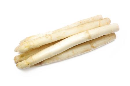 Witte asperges geïsoleerd op een witte achtergrond. Stockfoto
