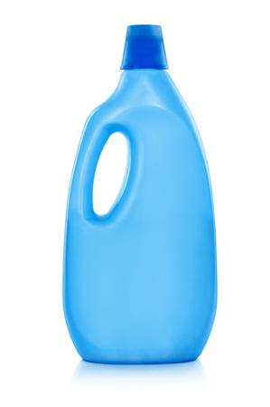 Bouteille Assouplissant avec un détergent liquide de lavage, agent de nettoyage, eau de javel ou d'adoucissant - isolé sur un fond blanc. Banque d'images - 58440666