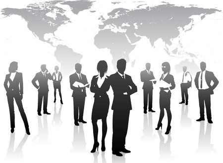 Un concetto in scala di grigi ombreggiato di donne d'affari e uomini in posa, la lettura e l'utilizzo di dispositivi tecnologici, come i rilievi o telefoni cellulari. Archivio Fotografico - 42664012