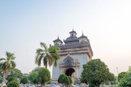Beautiful architecture Patuxay(Victory Gate) in Vientiane, Laos Imagens